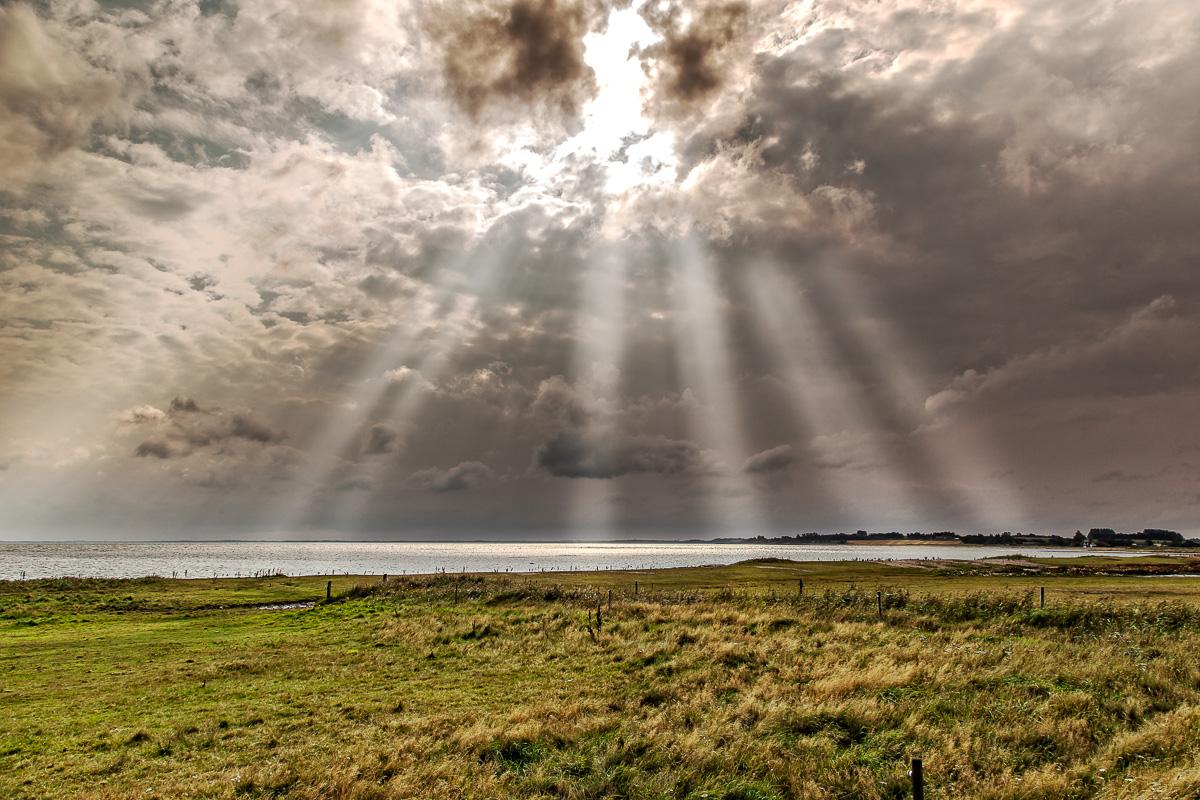Flotte skyer over dråby vig