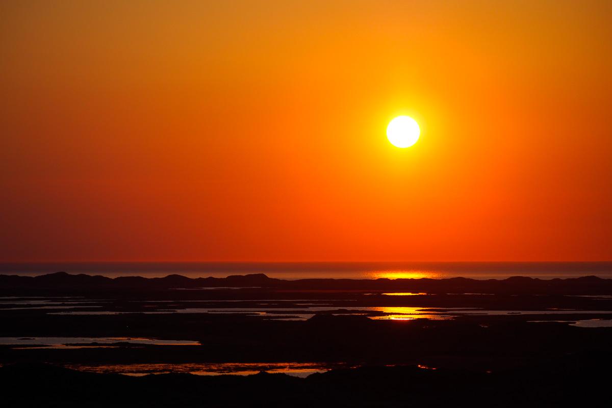 Solnedgang over vesterhavet, billedet er taget inde fra isbjerget i Nationalpark thy.