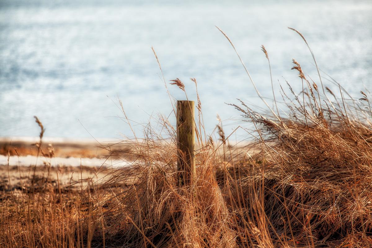 en smuk placeret pæl på stranden